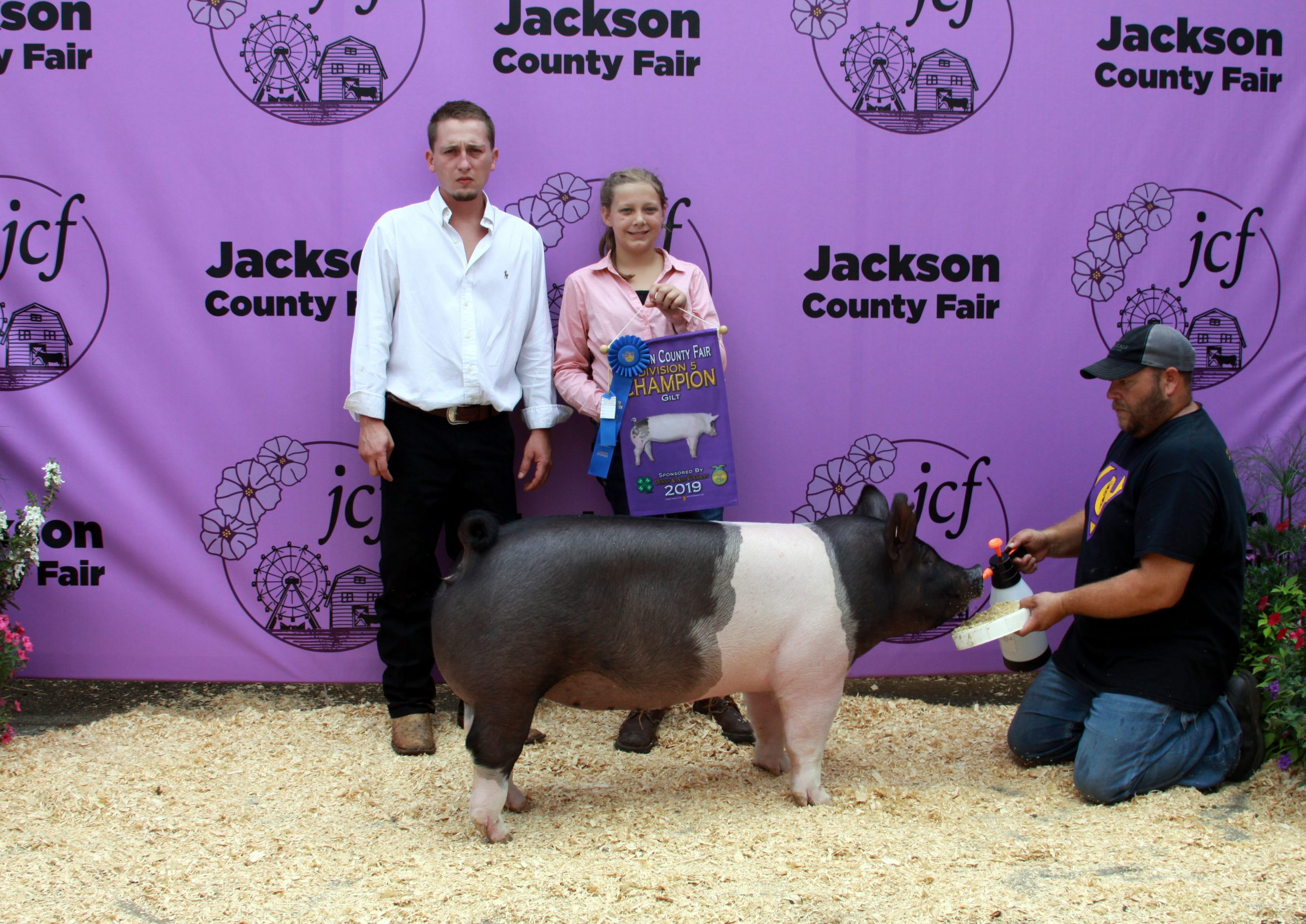 Jackson County Fair, Division 5 Champion Gilt, Sired by Smooth Criminal